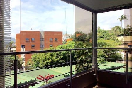 Apartamento moderno y cómodo ejecutivo - Caracas - Leilighet