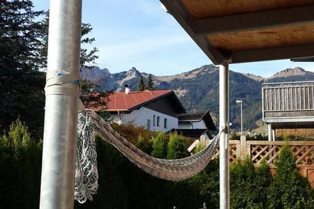 Gemütliche Wohnung am Hahnenkamm - Lechaschau