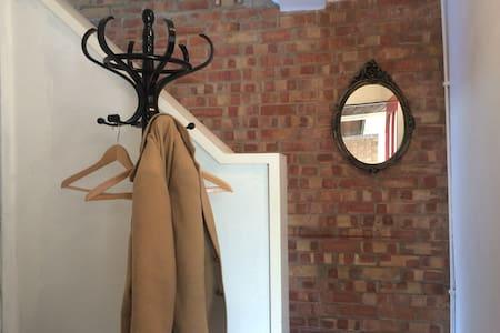 One Bedroom Townhouse In Islington