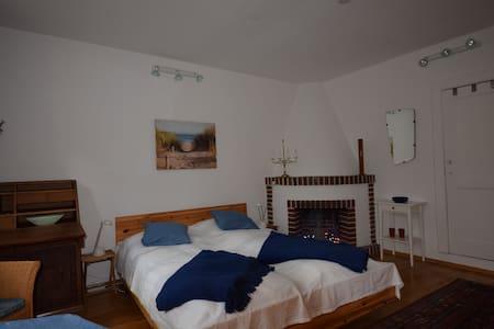 Gemütliches Zimmer in einem gastfreundlichen Haus - Bed & Breakfast