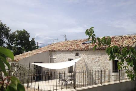 Maison en pierre avec jacuzzi et climatisation - Ev