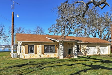 Lake Buchanan waterfront home. We have it all! - Burnet