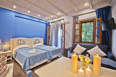 Flamingo Superior Studio Blue with Garden View - Guesthouse