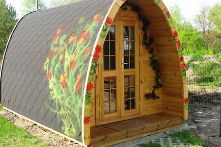 Camping Häuschen Dornröschen - Skur