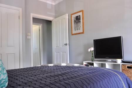 Sunny apartment - rural outlook - Appartamento