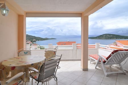 Simple and nice ap with great view, close to beach - Apartment