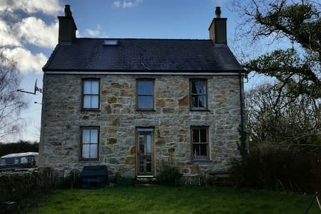 Farmhouse in quiet rural location - Isle of Anglesey