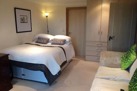 1 Bed Annex Great Views Location, Quiet Nr Reading - Sonning Common