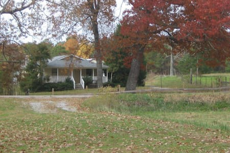 Farm House on Lookout Mountain - Rising Fawn - Casa