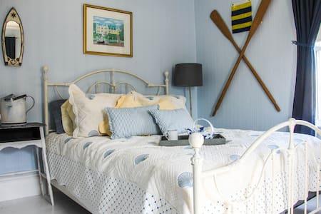 Kilburn House KPT: Blue Room - Huis