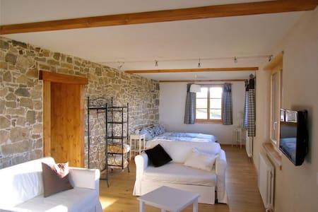 Studio de vacances au Jura (NE) - 2314 La Sagne - Apartemen