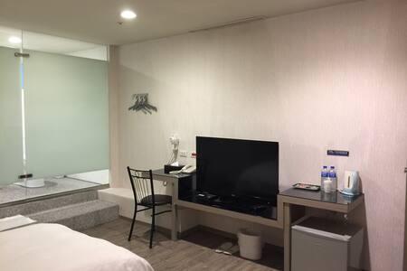 台北橋捷運站十分鐘、飯店管理套房,三和夜市附近。 - Sanchong District