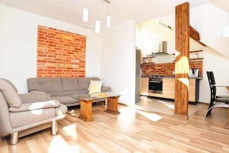 Słoneczne dwupoziome mieszkanie - Wohnung