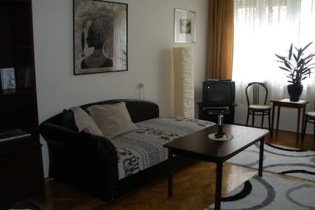 ALLEE HOME - Budapest - Pis