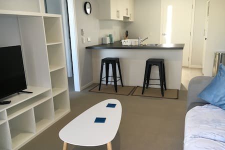 Self contained newly renovated granny flat - Miami - Appartement