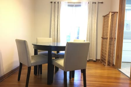 Lg Bright Room, walk to shops,cafes - Columbus