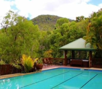Christmas hideaway for 4 - pool, spa, wellness! - Willow Vale