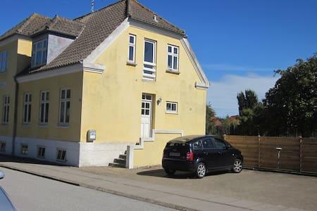 Lejlighed i byhus i Frederikshavn - Apartment