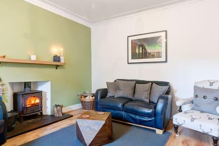 Fishermans Flat - Beautiful River Views - Broughty Ferry, Dundee - Apartment