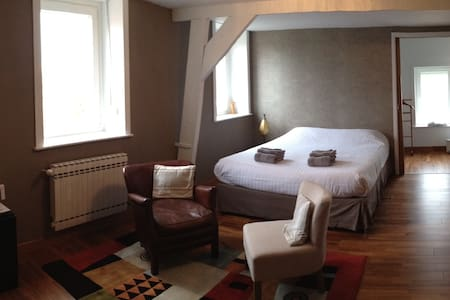 chambre tout confort avec douche - Bed & Breakfast