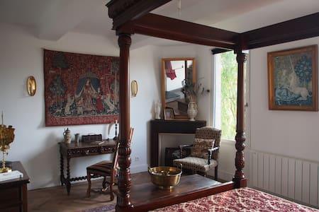 Chambre Renaissance à La Maison des Délices - Bed & Breakfast