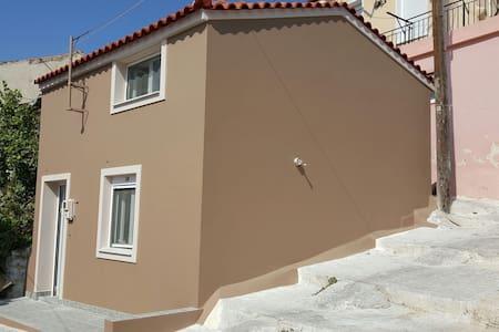 Sommerhuset! - Plomari - House