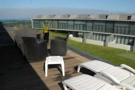 Magnifique maison bord de mer - Dom