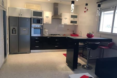 Luxueux étage de villa à La Soukra - Appartement
