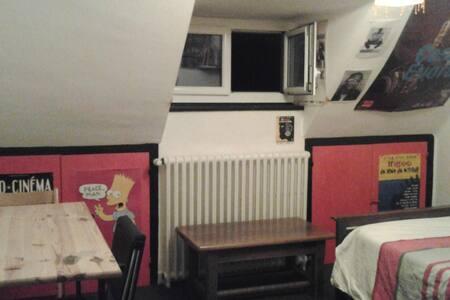 1 chambre mansardée chez l'habitant. - Saint-Brieuc