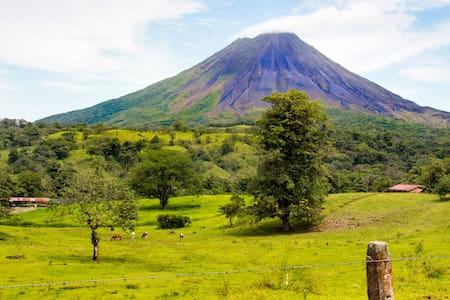 Hacienda/La Fortuna/Arenal Volcano - Villa
