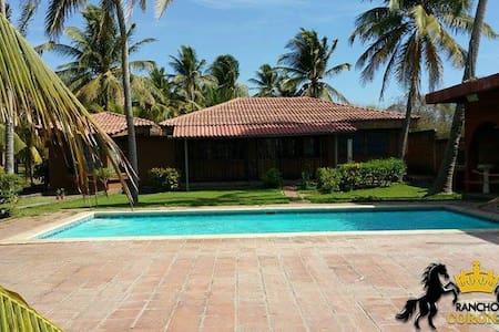 Hermoso Rancho de Playa privado - Huis