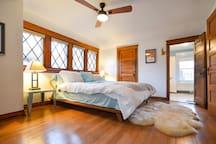 Suite w/ Kitchen - Midtown/Westport