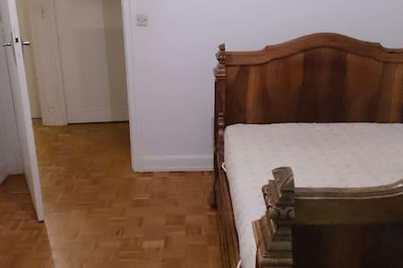 Appartement spacieux & équipé. - Huis