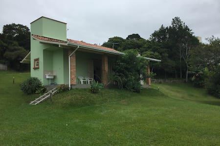 Linda casa na Baía dos Golfinhos - House