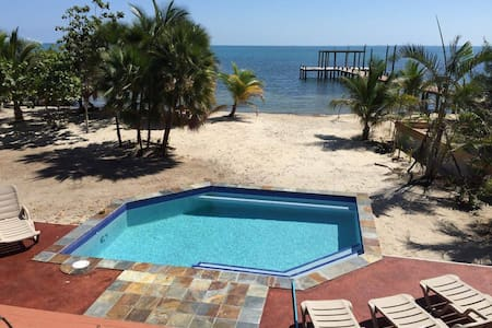 2 bedrooms, full kitchens, AC, wifi Placencia - Placencia