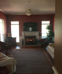 Cozy Augusta Getaway - House