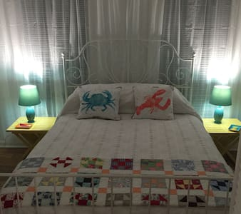 Sandy Shoes Cottage--Tybee Island! - Tybee Island - Appartamento