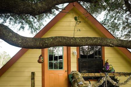 Bon Temps Tree Room - Sunset - Bed & Breakfast