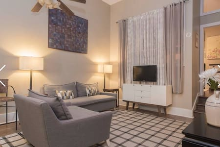Lincoln Park Loft at the Zoo - 2 bedrooms/2bath - Chicago - Apartment