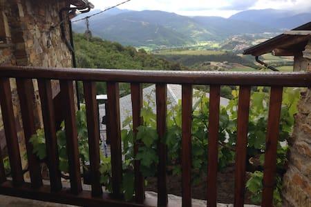 Masia Encantadora cerca de Andorra - Calbinyà