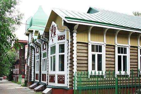 """Хостел """"Дом Охотника"""" - Tomsk"""