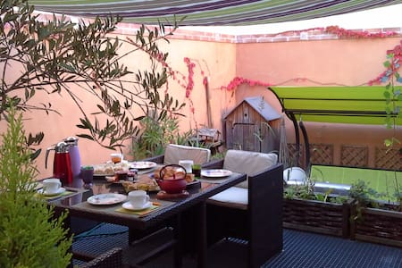 Centre ville, parking et p'titdej inclus - Albi - Bed & Breakfast