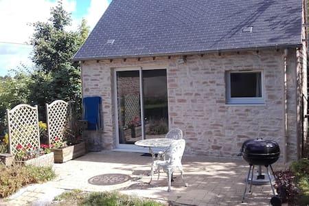Charmante maison en pierre. - Condé-sur-Seulles - House