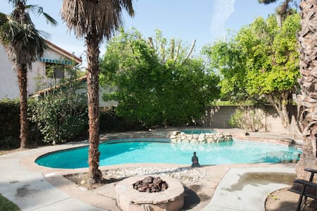Charming Guest House 15 miles to Airbnb Open! - Los Angeles - Casa