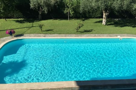 Amazing villa with large pool - Kamena Vourla - Dom