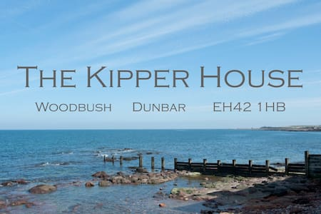 The Kipper House - a coastal getaway - Hus