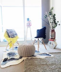 Brand new apartment with beautiful views & carpark - Apartment