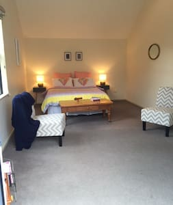 Central to Queenstown and Wanaka - Cromwell - Bed & Breakfast