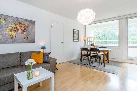 Comfy bed or sofa in Quiet & Spacious Apartment - Wohnung