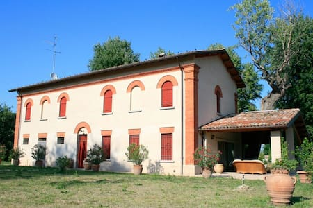 "Villa Mongardi Camera ""Francesca"" - Bed & Breakfast"